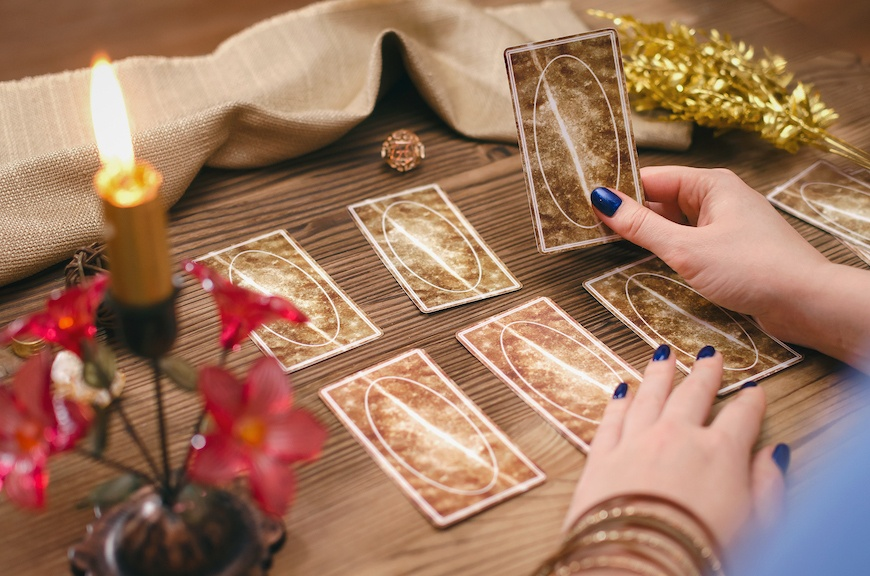 Guid for consulting tarot reader in ahmedabad